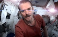 Hadfield, excomandante de la Estación Espacial, graba un disco 'Space Sessions'